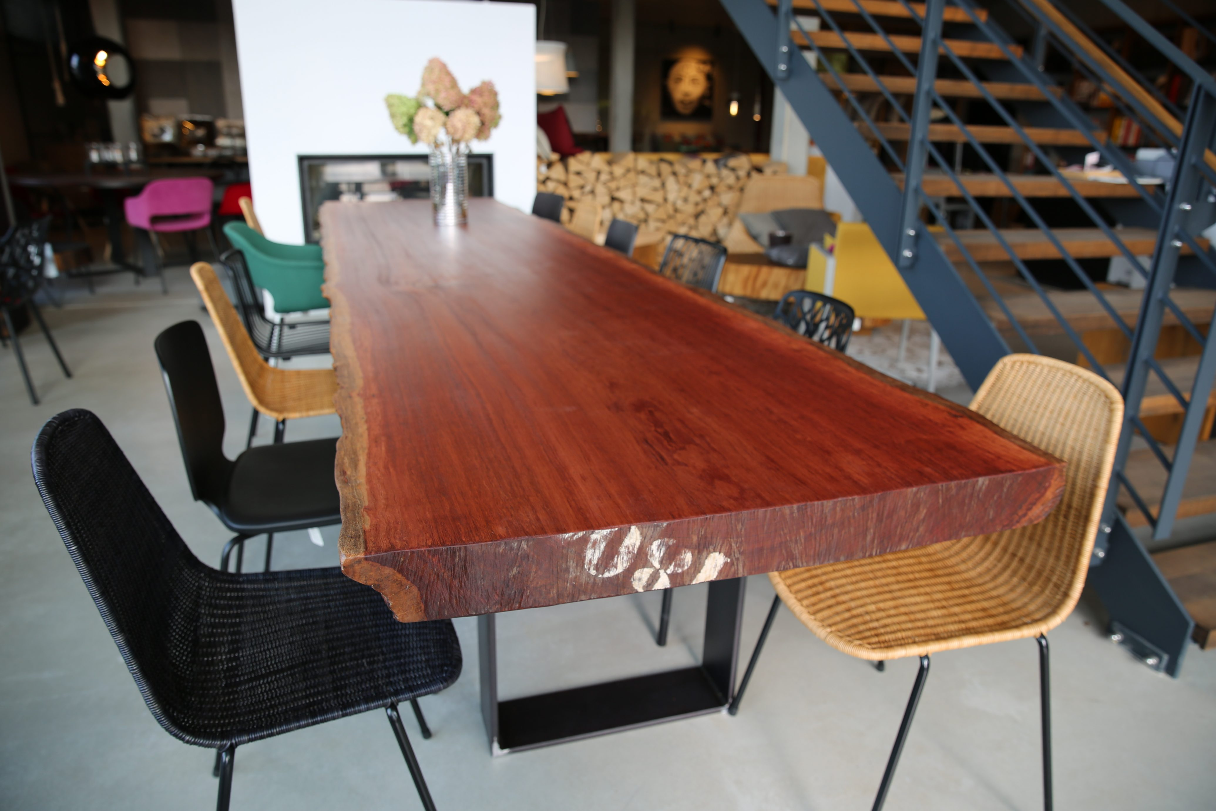 Massivholztisch aus Bubinga Holz