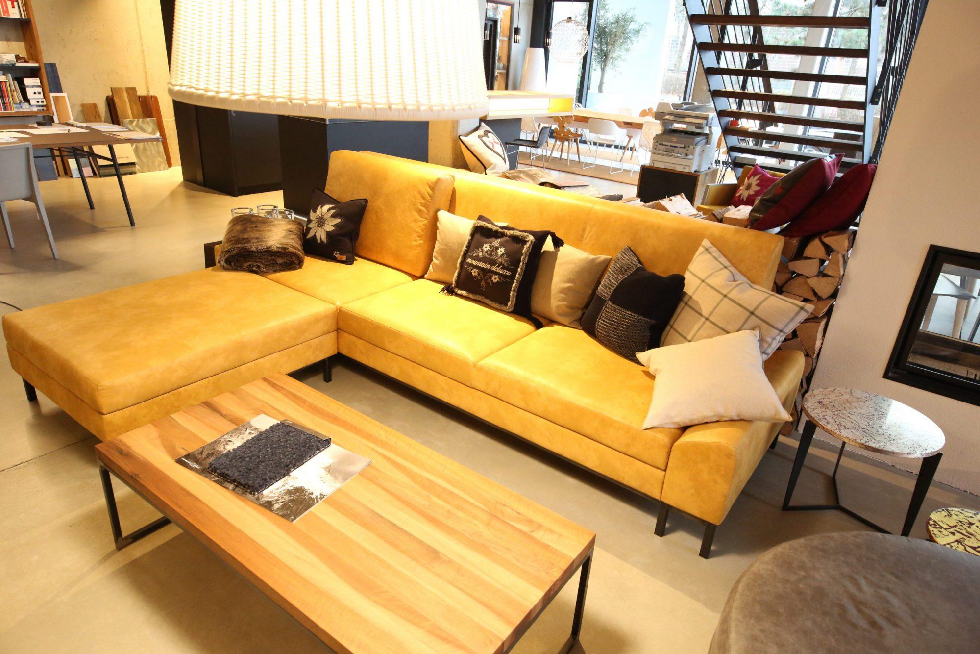 gelbe Couch mit Echtleder Sonderanfertigung